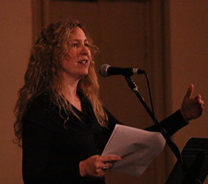 Author Sage Cohen speaks at a member meeting about the craft of writing and Willamette Writers member benefits.